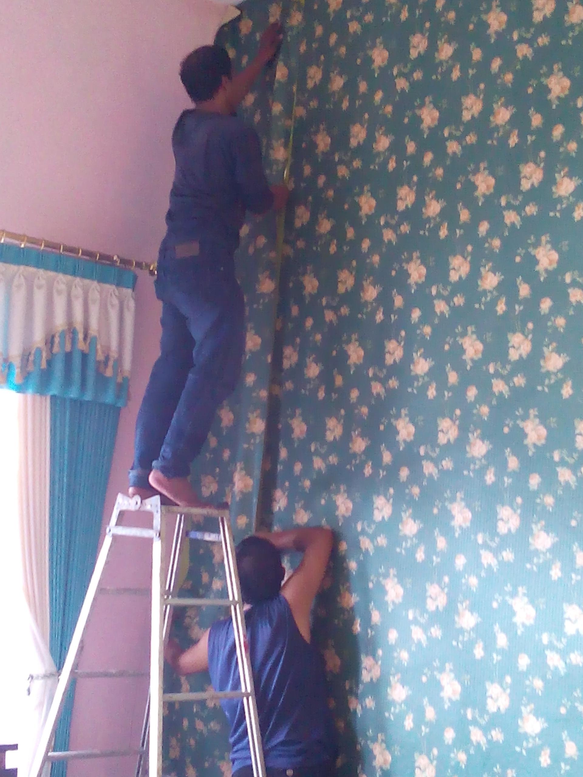 Hargawallpaperdindingmalang wallpaper dinding malang - Cara pasang wallpaper ...